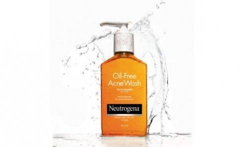 Sữa Rửa Mặt Trị Mụn Neutrogena Oil-Free Acne...